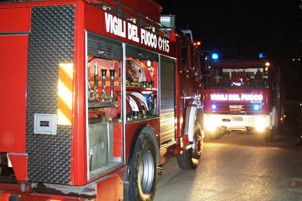 NOVARA. Coniugi morti in incendio, bloccati in casa da tapparelle