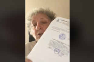 Marinella Bracco con il documento di sfiducia